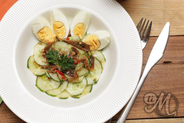 timolokoy-salade-hareng-saur-concombre-oeufs-durs-10